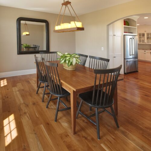 how-to-choose-the-right-wood-flooring-for-dining-rooms